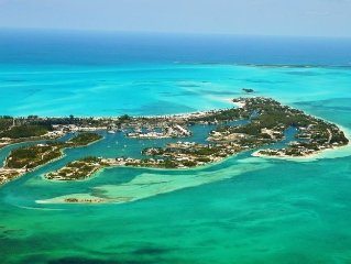 Treasure Cay, Bahamas-Waterfront Marina Home - Deep Water Boat Slip & free WIFI