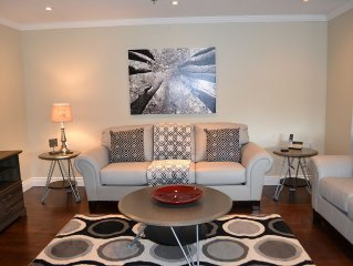 Stylish Fully Furnished 2 Bedroom Condo Close to Downtown.