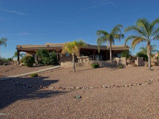 Omg! Amazing With Privacy, Rv Parking & Close to Everything But Your Neighbor!
