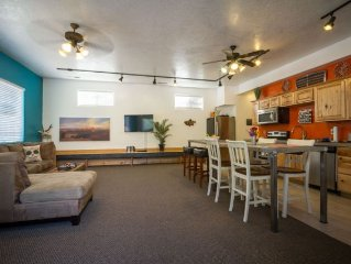 Adventure's 1st stop in Zion! 2 bdrm in the heart of Springdale! sleeps 4-6