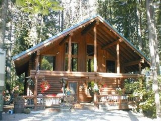 'Log Cabin Bliss' - Real Log Cabin - Year Round Car Access - Snowmobile in/Out