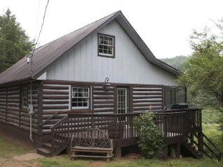 Rabbit Creek Hideaway  Secluded less then 2.5 miles from town!