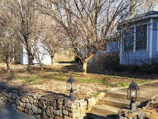 Excellent location near Biltmore Pk-Awesome King Bed!!