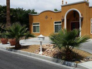 Huge house Spacious open floor-plan, Pool, 5 min to Strip, Luxury, 4000 Sqf