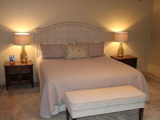Old Metairie Retreat; Minutes From Downtown