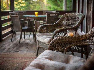 Private & Beautiful New Custom Built Orcas Island Vacation Home near Eastsound