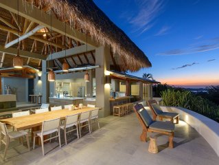 5-Bedroom Villa with Amazing Ocean Views, only 5 min walk from beach