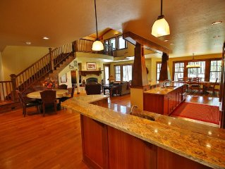 Great For Family Reunions / Entertaining - Upscale House on Golf Course