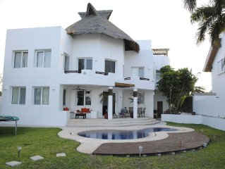 Beautiful 4 bedroom Beach House on a Private & Peaceful Place in Cancun