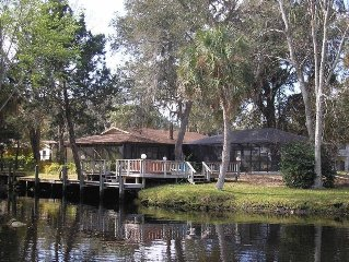 Deep Water Retreat, Dock, Heated Pool, Bicycles, Double Kayak, Great Location!