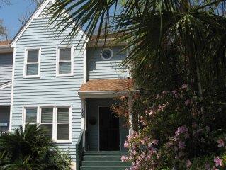 Cozy Townhouse: Short Walk to Downtown Beaufort's Shops, Restaurants & Marina