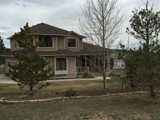 Large family friendly home close to downtown Monument and the Air Force Academy.