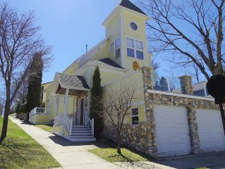 Petoskey downtown Home On Howard -Spring Special!  $175/ night!
