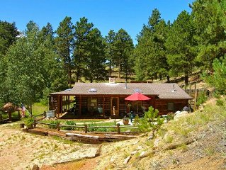 Antlers Cabin on 35 Acre Ranch with Wi-Fi