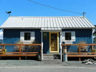 Come Renew and Restore at Charming Waterfront Cabin on Whidbey Island...