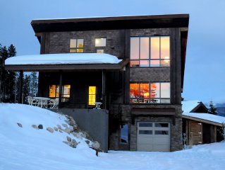 Stellar views of Byers Peak and Winter Park ski area from private 2BR home