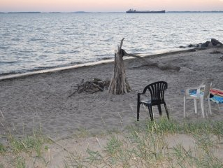 The Beach House - A Tranquil Getaway Close To Historical Amherstburg