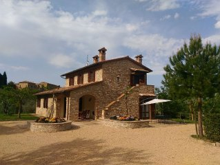 Casa del Gelso: relax in the countryside 10 minute walk from Todi center