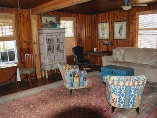 Cozy Ocean View Beach Cottage unit with large Deck, Grill and Dining Table 2B/2B