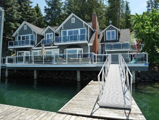 The BEST Waterfront Home - 5 minutes to town!