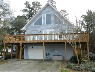 5 Bedroom, 3 Bath Sound View Home With Oceanfront Parking Pass!