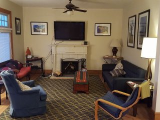 Monthly (30+) rental 3+br/2ba beautiful home 1 block from trendy 9th&9th center