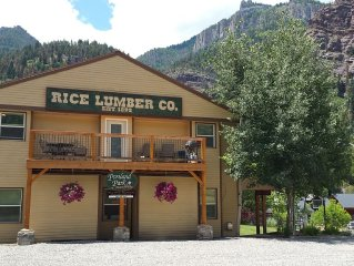 Deluxe Ouray Condo 2BR/1BA Along River-Sleeps 4!
