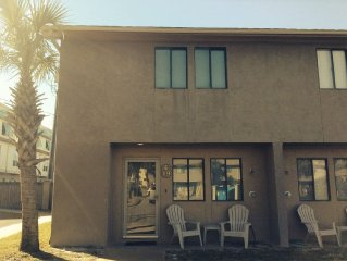 Our Beach Home/Gulf Front complex/Heated Pool/Private beach