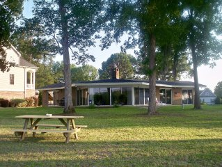 Lake Marion Vacation Home - Goat Island & Taw Caw Creek Area