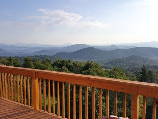 THE BEST VIEWS & Modern Luxury atop Appalachian Ski Moutain-Newly REMODELED, 4BR