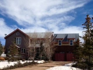 Spectacular Large 4 Bedroom Mountain Home