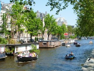 Luxury Amsterdam Canal Houseboat