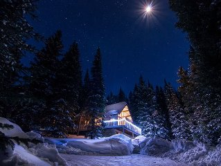 ALPINE CHALET, WITH FANTASTIC VIEWS ONLY MINS. TO