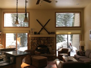 Splendid 3 BR Townhome Creekside at Casa Del Sol by Free Bus Line to Slopes