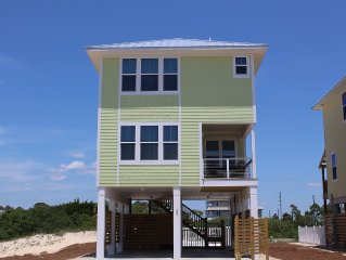 3 bedroom 2.5 bath just steps from the beach!