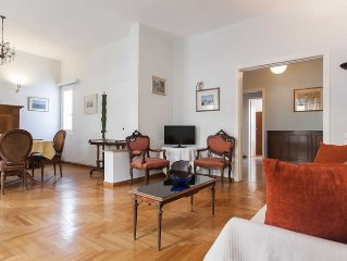 Comfortable, Central And Spacious Appartment With Character