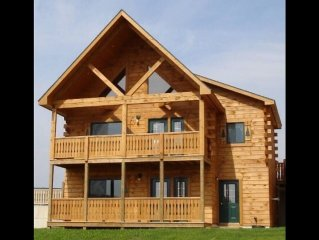 5 Bdrm Luxury Log Cabin Family Paradise adjacent to Jellystone & Indoor Waterpar