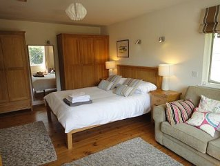 Quiet and private apartment and garden only 15 min walk to Bantham beach