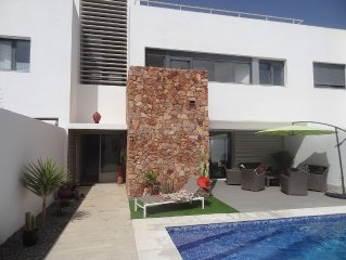 modern villa + private pool 500 meters from the beach, natural site of Cabo de