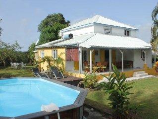 Maison créole avec piscine à Sainte-Anne en Guadeloupe