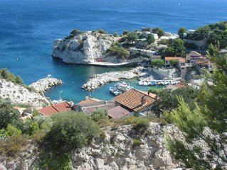 villa de charme avec piscine et cheminee dans campagne et proche mer