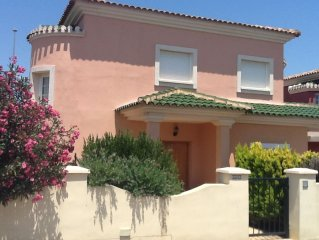 Three bed villa with private pool 15 minutes from Murcia airport quiet location