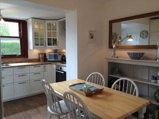 Middleshot Cottage 2 bdrms lge garden, short walk to beach and golf nr Edinburgh