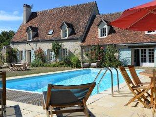 Maison de famille 7 chambres avec Tennis/piscine proche du golf de bellême