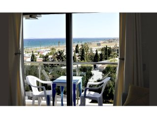 NEW (2014) 1 BEDROOM FLAT WITH PANORAMIC SEAVIEW, 200 METERS TO SANDY LONG BEACH