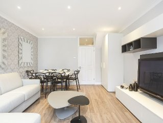 Stylish 2 Bedroom Central London Flat One stop from OXFORD CIRCUS