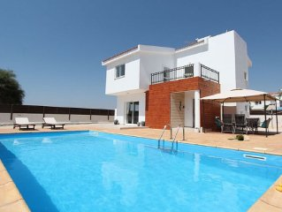 Fantastic Family Villa with amazing Sea Views and Private Pool !!