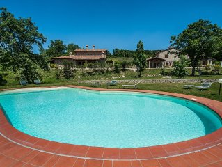 Tuscany:Ancient Cottage With Panoramic Views,A garden And A Shared Pool- Sleep 5