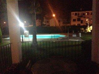 Entorno agradable y cómodo, bajo con piscina,jardín y acceso directo desde calle