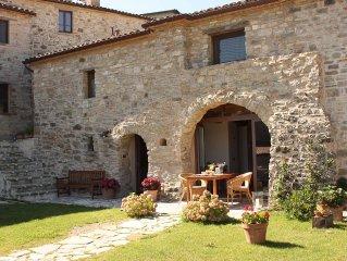 Uriges Steinhaus in der Romagna mit Panoramaterrasse und kostenfreiem WLAN